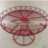 Red heart iron wire cake stand