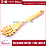 2014 High Quality New Design Olive Wood Spoon