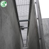 Military base buildings hard strength flat steel bar welded grating security fence wall