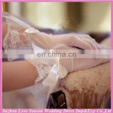 WG0003 2014 new design fashion black and white lace embellishment bridal wedding glove