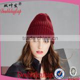 Wholesale fashionable women knit hats 2015 fashion women knit hat with embroidery logo soft winter women knit hat beanie hat