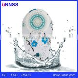 Whole body vibration machine, whole body vibration machine, vibrating hand massage machine