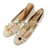Adjustable type wooden material cedar wood with good scent single tube shoe tree with string in the end