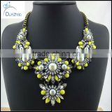 women pearl necklace jewelry