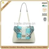 100% cowhide snake patten leather handbags lady handbags made of genuine leather with clasp closure