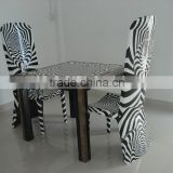 attractive 2016 dining/coffee table with pattern in white and black lacquer, dark eggshell inlay