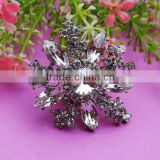 High quality invitation rhinestone brooch embellishment in christmas decorative