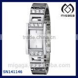 Women's G-Iconic Sophistication Crystal Silver-Tone Watch Self-adjustable silver tone and crystal bracelet