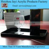 Attractive and durable vintage tray/room service tray