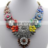 2016 hot sales bulk flower resin crystal material gold chain flower pendant shourouk statement necklace semi precious jewellery