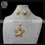 2015 woman wedding bridal brand flower shaped smooth bead jewelry set necklace earrings gold jewelry