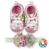 Adorable Baby Prewalker Shoes Lace Baby Shoe With Match Shabby Flower Headband Wholesale Moccasin Shoes For Newborn Baby