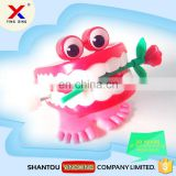 plastic funny wind up teeth toy for fun