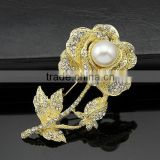 wholsale fashion silver gold crystal rhinestone diamond pearl for women custom made cheap brooches in bulk