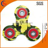 Trending toys 2017 stress r188 tri-spinner figet toy hand spinner camouflage