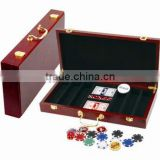 packing in wood case poker chips