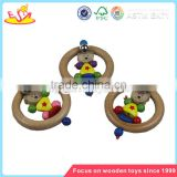 Wholesale cute baby wooden round rattle toy musical instruments wooden round rattle W08K009