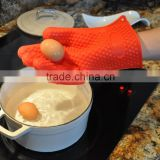 Oven Usage and heart embossed,compressing Style Silicone Gloves With Five Fingers Silicone Glove Oven Mitt