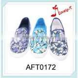 yiwu classic lady OEM custom design casual flat shoes spring flower cotton fabric shoes