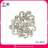 2014 top sell clear crystal flower brooches for wedding