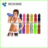 800ml Food grade FDA approved double-wall fashionable design stainless steel water drinking bottle with carabiner
