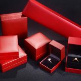 Botique Red Leatherette Paper Covered Plastic Jewelry Gift Packaging Box Bracelet Box Pendant Box