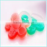 2015 new Food material Silicon plastic teether pacifiers baby silicone ring baby pacifier clip for babies