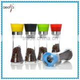 Top Sales Empty Glass Hand Spice Grinder Salt And Pepper Bottle Glass Spice Jar With Grinder                                                                                                         Supplier's Choice