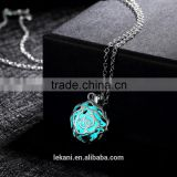 Blue chunky flower shaped necklace with the Luminous pendants glow in the dark necklace                                                                         Quality Choice