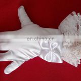 Cute&Graceful Wedding Glove For Flower Girls Full Finger Wrist length Bows Peal Beaded With lace Bridal Satin Gloves