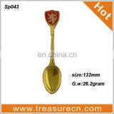 Czech Republic lion emboss red enamel epoxy resin gold spoon with Acrylic box