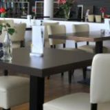 Customized Quality Restaurant Furniture Table Chair Set