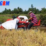 Agricultural professional supplier mini rice combine harvester / rice reaper hot sale in Africa