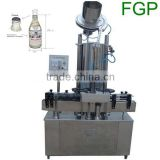 Automatic crown cap wine bottle capping machine capper machine crown cap sealing machine with cap feeder