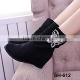 Wholesale china price winter snow boots shoes fashion rhinestone butterfly for women