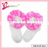 High quality plain white color wholesale newborn baby socks with ribbon (WT-0012)