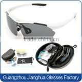 White frame popualr design anti glare polarized sports cycling sunglasses with logo lens spare lens