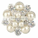 Fancy Round Pearl Beads Flower Brooches Pins with Cubic Zircon Throne Shawl Use