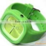 Newest hot selling colorful silicone band Diamond scale stainless steel back fashion quartz lady watch