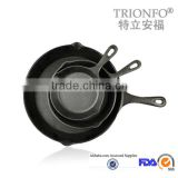 TRIONFO pre-seasoned single handle pizza pan cast iron