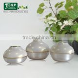 White Plastic Luxury Cosmetic Jar Luxury Ball Shape Empty Cream Acrylic Cosmetic Container