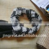 Black and white striped wrinkle scarf