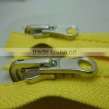 Hotsale Plastic zipper for Garment in fashion custom zipper binder