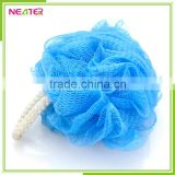Promotional popular easy cheap100% PE mesh pouf bath sponge