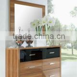Wooden wide chest with mirror