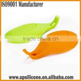 wholesale heat resistant silicone spoon holder silicone spoon rest kitchen utensil holder silicone kitchen tools
