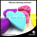 Silicone facial cleaning tool can exfoliate, effectively and deeply clean the face.