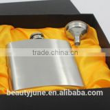 logo printed 6oz stainless steel Hip Flask Gift Set For Alcohol with funnel wedding whiskey