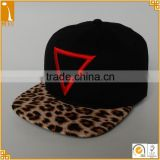 Cheap good quality black 6 panel 100%cotton embroidered plastic buckle snapback baseball cap