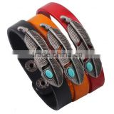 Newest snap button clasp brown plain genuine leather charm bracelet,unisex color genuin leather bracelets with Turquoise feather